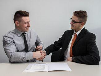 Un banquier et son client